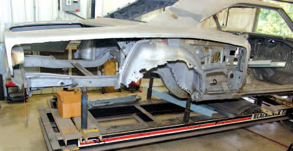 The metal restoration of this Dodge Super Bee takes high confidence, because it is a very challenging job. The plan for this restoration is necessarily complex, and the skills and judgment required to do it are definitely advanced.