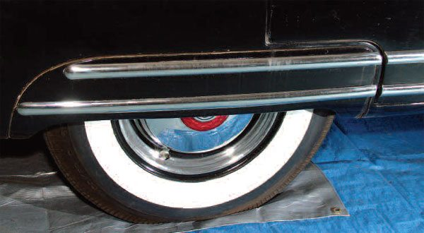This fender skirt illustrates the bilateralism of auto bodies. The one on the other side of this Packard is a mirror image of this one, and can be used to pattern it. In this case, absolute bilateralism is not necessary because you can never see both fender skirts at once.