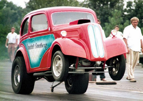 The team of Sandberg, Kroona & Crandell's fi rst serious drag race effort was this record-holding A/G Anglia. With Crandel behind the wheel, the car ran consistent 9.30 times and was a record holder into the early 1970s. The car is thought to be the fi rst tube-chassis Gasser. (Photo Courtesy Dave Davis)