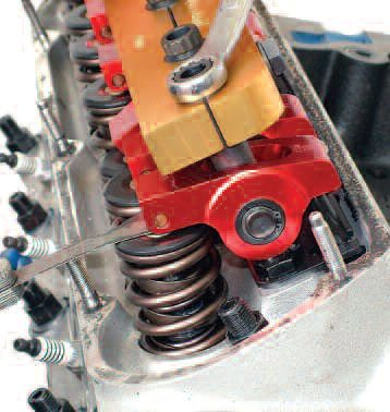 Assembling the components for an ultra-functional valvetrain is all a question of attention to detail. A point to note here is that any valvetrain is only as good as the valvespring. Assuming a smooth cam profile, the rest of the job is very much making sure that spurious vibrations do not get the better of things; this is where aluminum components work well.